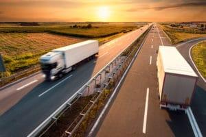 Full truckload shipping vs less-than-truckload shippinig