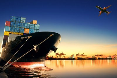 International freight shipping: air freight vs ocean freight